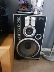 Jamo D260 speakers