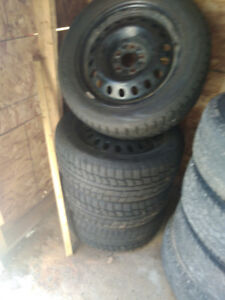 225/55/17 snow tires on wheels MUST GO
