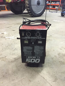 Solar 500 Battery Charger Booster and Tester Cambridge Kitchener Area image 1