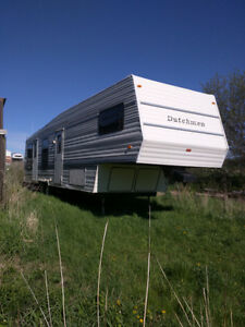 Selling a fifth wheel Dutchman 32+ft trailer
