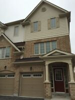 ***RENT IN WHITBY***END UNIT TOWNHOUSE***