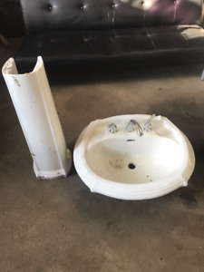 White Sink (Excellent Condition)