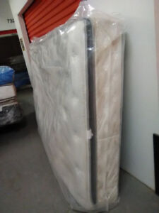 Brand New Queen size SIMMONS Beautyrest Mattress- Delivery
