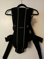 Baby Bjorn active carrier - excellent condition $50