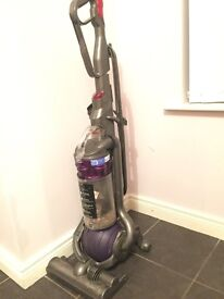 Dyson DC 25 Hoover