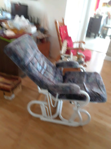 Chaise bercante inclinable