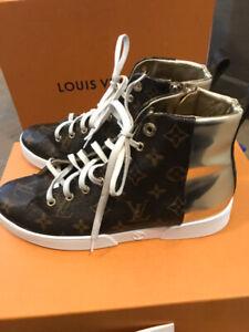AUTHENTIC Louis Vuitton Women's Shoes Like New