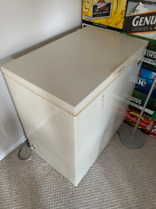 Small Chest Style Deep Freezer