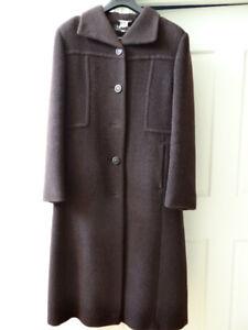 Manteau d'hiver brun en laine, Mohair et Alpaca grandeur 5-6