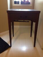 Singer sewing machine and table! Excellent condition
