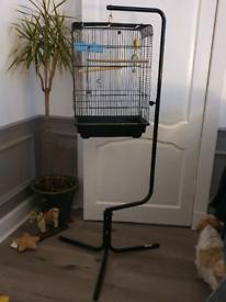 Free standing bird cage