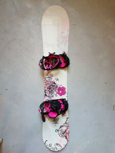5150 Empress 140 Women's Snowboard with Ride LXH Bindings