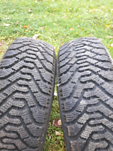 2 Goodyear Nordic 205-75-R14 comme neufs