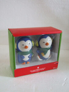 Set of 2 Penguins Salt and Pepper Shakers set - New in box