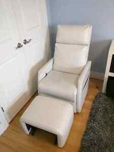 White rocker with foot rest and side table London Ontario image 2