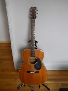 Vielle guitare  acoutique fender f25 avec pick-up intégré 2oo$