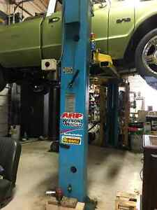 Ford Smith 2 post hoist 7000lb used for personal use only