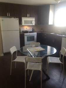 Large room for rent available now Edmonton Edmonton Area image 3