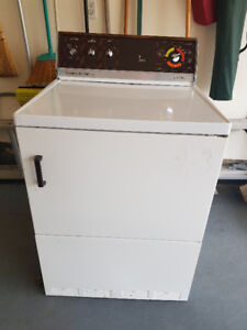 Beaumark Heavy Duty Automatic Electric Dryer, Works great!