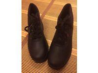 Safety footwear (size 10)