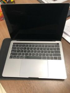 """Apple MacBook Pro Core I5 13"""" Touch / late 2016"""