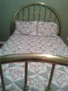 ***Beautiful Classic Brass Bed Frame-Queen Size*** Cambridge Kitchener Area image 3