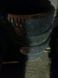 Like new 245/60R18 Champiro IcePro SUV winter Tires