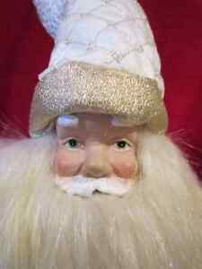 Decorative Holiday Elegance Christmas Santa Clause Statue Figure Regina Regina Area image 3