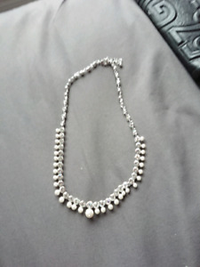 Beautiful necklace made by Swarovski crystal