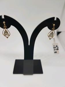 9ct gold Dangle earrings