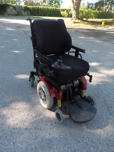 AFFORDABLE Pride Quantum 1121 Electric Wheelchair NEW Battery!