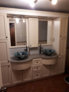 Bathroom vanity, disassembled and ready to go
