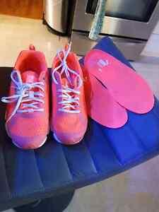 Ladies size 9 puma sneakers