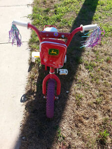 Girls bicycle ages 3 and up Sarnia Sarnia Area image 3
