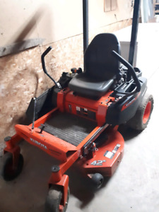 Kubota zero turn Lawn Mower. Low Hours