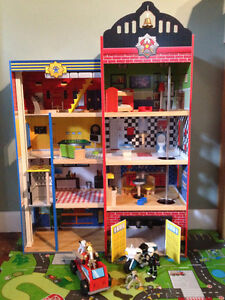 KidKraft Deluxe Wooden Fire House/Police Station