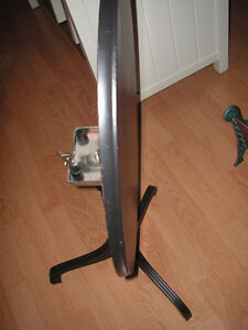 18th Century Tripod Table tripod/occasional table, with a solid
