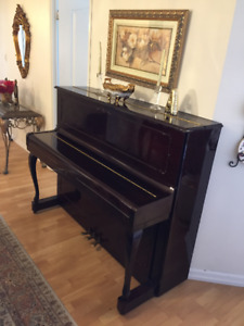 SAMICK Piano For Quick Sale
