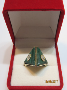 14KT YELLOW GOLD MALACHITE PENDANT AND RING FOR SALE