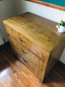 Wooden 3 drawer chest