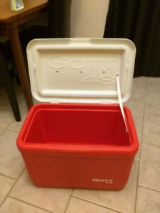 Rubbermaid Gott 48Qt Cooler- 68 Cans