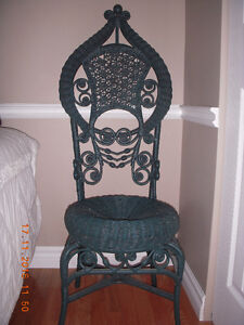 ANTIQUE WICKER CHAIR IN EXCELLENT CONDITION
