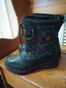 **NEW PRICE***BRAND NEW Size 8 womans winter boots