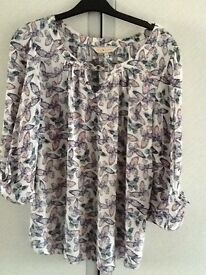 Ladies butterfly top sz 12 £5✨