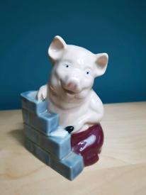 Wade Pig (house of brick)