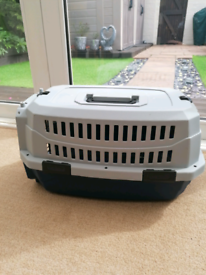 Cat/small animal carrier