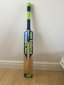 Willow Cricket Bat from New Balance, DC580