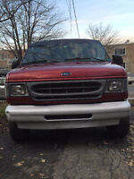 2001 Ford E-350 Super Duty Fourgonnette, Cargo Van