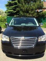 2010 Chrysler Town & Country Touring $16500