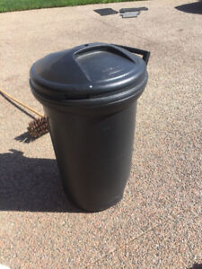 New Plastic Garbage Can